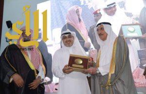 الأمير محمد بن ناصر يكرم وكالة الأنباء السعودية بجازان