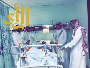 قائد مجمع يلملم التعليمي يزور المصابين وينقل تحيات مدير تعليم الليث لهم
