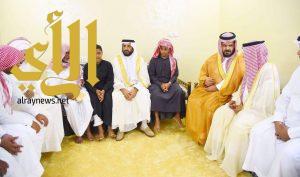وكيل إمارة جازان يعزي أسرة الشهيد شراحيلي