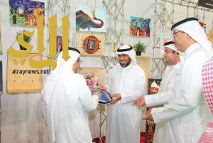 """افتتاح معرض التربية الفنية """"بصيرة"""" في معهد النور للكفيفات بتعليم الرياض"""