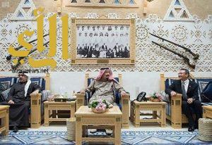 خادم الحرمين يستقبل ولي عهد البحرين ووزير الدفاع الماليزي