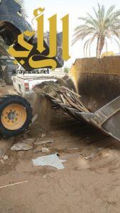 بلدية اللهابة تبدأ حملتها لإزالة الأنقاض ومخلفات البناء والهدم