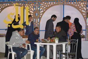 """المقاهي الشعبية تجذب مئات المرتادين الى مهرجان """"ليالي شرقية"""""""