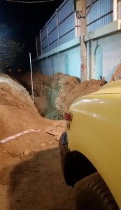 وفاة عامل وإصابة آخر نتيجة انهيار حفريات الصرف الصحي عليهما