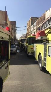 مدني خميس مشيط يخمد حريق في سكن وافدين
