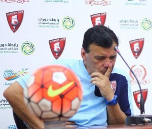 الوحدة يقيل مدربه «خوان رودريغيز » بعد الهزيمة الثالثة في الدوري