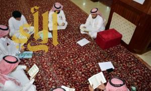 زوجان يُعلمان 20 شابًا وفتاة من الصم القرآن الكريم