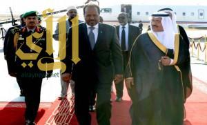 رئيس جمهورية الصومال يصل إلى الرياض