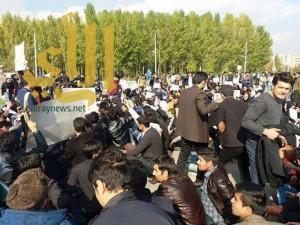 """مظاهرات عاصفة في إيران.. ثورة الأتراك تهدد بزوال عرش """"الملالي"""""""