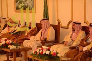 """أمير """"الباحة"""" يستقبل في قصر البريده أصحاب الفضيلة مدراء الدوائر"""