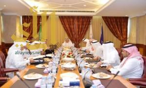 """مجلس """"الطيران المدني"""" يستعرض مشاريع تطوير مطارات المملكة"""