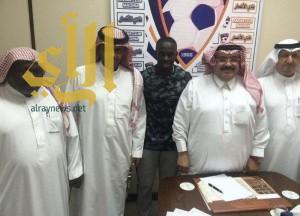 الهلال يدعم صفوفه بمدافع الانصار الشاب عادل المولد