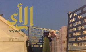 مصادرة 1100 عبوة مخللات تالفة بمكة