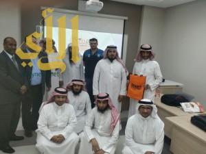 """كلية الشرق العربي تُنظم دورة تدريبية تطبيقية لنظام إدارة التعلم """" مودل"""""""