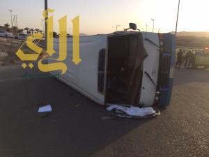 إصابات بسيطة لحادث مروري على نقل طالبات بالباحة