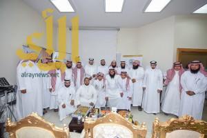 مدير تعليم الرياض يدشن التطبيق الإلكتروني لمكتب العزيزية