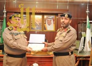 مدير شرطة منطقة الجوف يكرم عدداً من ضباط وأفراد شرطة المنطقة