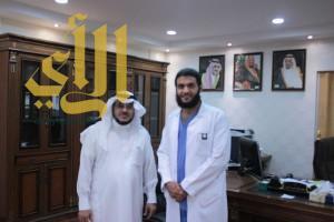 رئيس الطلبة السعوديين باليمن ينظم لجامعة حائل