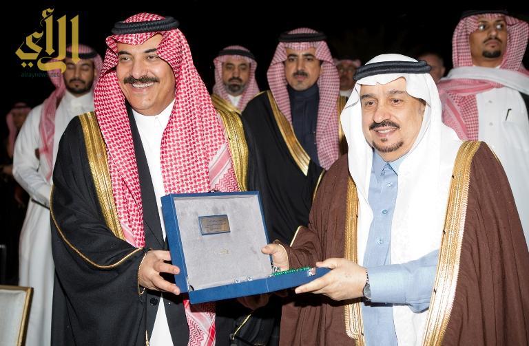 جمعية الزهايمر تكرم امير الرياض