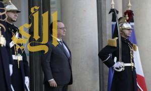 شعبية الرئيس الفرنسي ترتفع إلى 50% بعد اعتداءات باريس