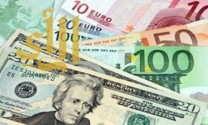 اليورو يتراجع والدولار يرتفع