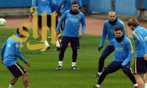 برشلونة يخوض أولى تدريباته في اليابان استعدادا للمونديال