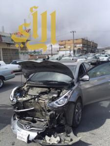 حادث مروري لحافلة طالبات وإصابة قائدها بالباحة