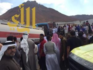 وفاة وإصابة في انقلاب شاحنة واصطدامها بوانيت