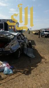 مصرع شخصين وإصابة آخرين إثر إنقلاب مركبتهم على طريق الهجرة