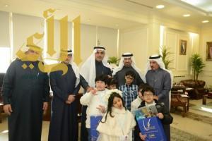 الجبير يستقبل عدد من أطفال مركز السمو التخصصي للتوحد