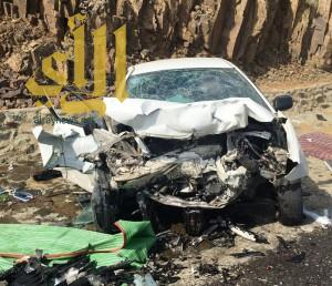 وفاتين و8 اصابات في حادث مروري بطريق أبها الدرب