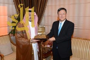 أمير عسير يستقبل القنصل العام لجمهورية كوريا الجنوبية