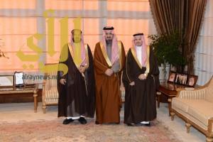 أمير عسير يستقبل مدير عام الشؤون الصحية الهبدان ويودع الحفظي