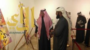 60 عملاً في معرض الخط العربي بتعليم عسير