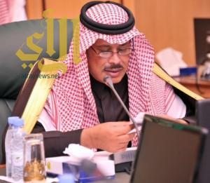 أمير الباحة يناقش مشاريع المياه بالمنطقة المنفذة و الجارى تنفيذها مع مدير المياه بالمنطقة