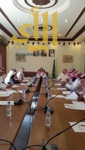 محافظ تثليث يترأس إجتماع المجلس المحلي