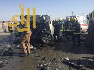 مصرع ٦ أشخاص وإصابة إخرين بحادث مروع على طريق الرويضات أملج