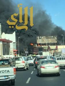 حريق هائل يلتهم مركز تجاري بمحافظة خميس مشيط