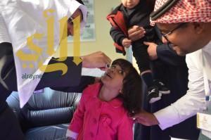 """الدكتور""""الجاسر"""" يدشن الجرعة الحملة الوطنية للتطعيم ضد شلل الاطفال"""