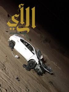 ثلاث وفيات وإصابتين لآسيويين بحادث مروري على طريق حقل بتبوك
