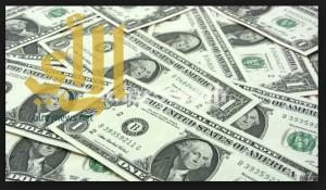 الدولار يرتفع مع استمرار تأثير المركزي الأوروبي