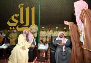أميرالمدينة المنورة يعزي أسرة الشهيد الحربي