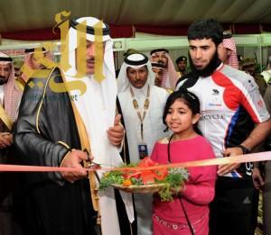 أمير منطقة الباحة يفتتح فعاليات مهرجان الموز والكادي الرابع