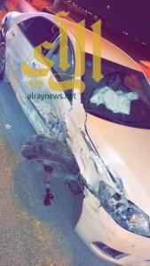 إصابة عشريني في ظهره بعد تعرضه لحادث سير مقابل مدينة الامير نايف بالشرقية