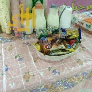 متوسطة المضة تقدم  وجبات إفطار ومشروبات ساخنة للطالبات