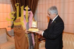 أمير عسير يستقبل القنصل العام لجمهورية باكستان الإسلامية