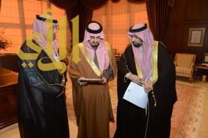 أمير عسير يستقبل مدير عام فرع وزارة التجارة