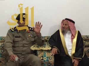 """مدير شرطة عسير يزور زميله """"آل جمعان"""" في طريب"""