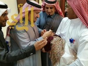 محافظ احد رفيدة يدشن حملة التطعيم ضد شلل الاطفال