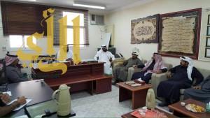اللجنة العليا بوزارة التعليم تزور مكتب التعليم بظهران الجنوب